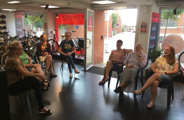 Struer Cykelklub (Mogens) og Struer Fri Bikeshop (Christian) arrangement. En hyggelig aften med MTB kvinder.